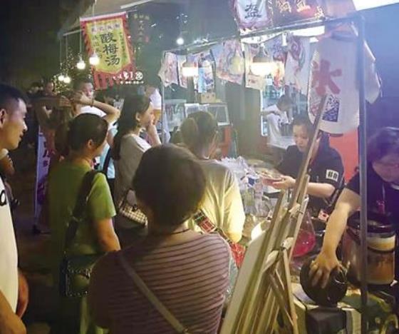 重庆深夜营业烧烤门店全国居首 夜经济的消费范围不断扩大